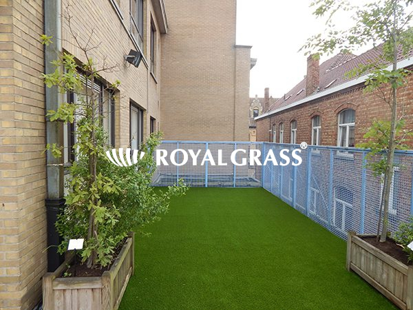 Project: Balkon te Ieper met Royal Grass Deluxe