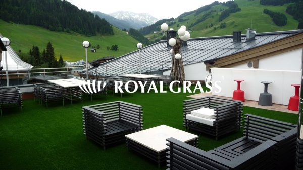 artificial-grass-hotel-switzerland1